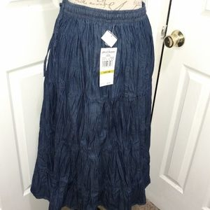 NEW WITh TAGS ALFRED DUNNER CRINKLE SKIRT SZ 14